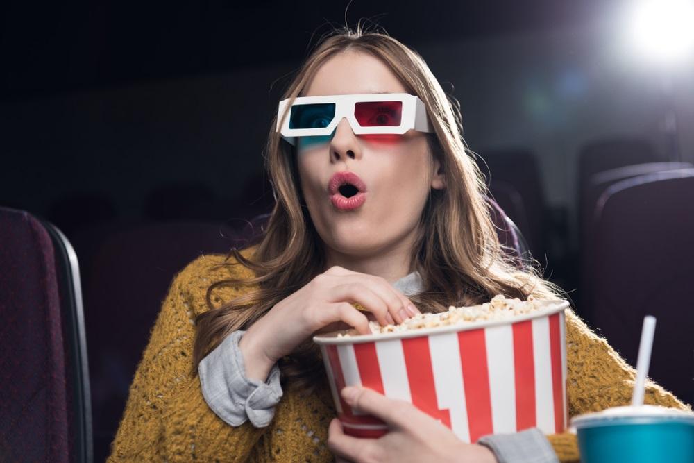 Секс в кинотеатре блондинка попкорн онлайн — img 4